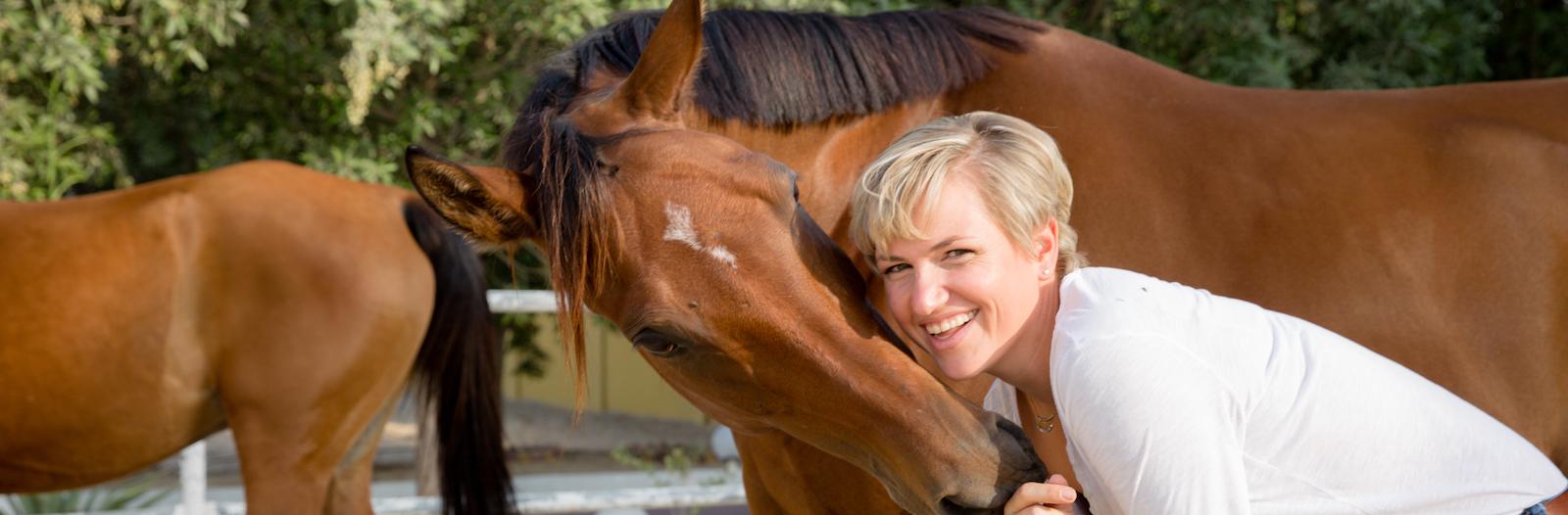 horse meet and greet, leadership, seminar, dubai, corporate